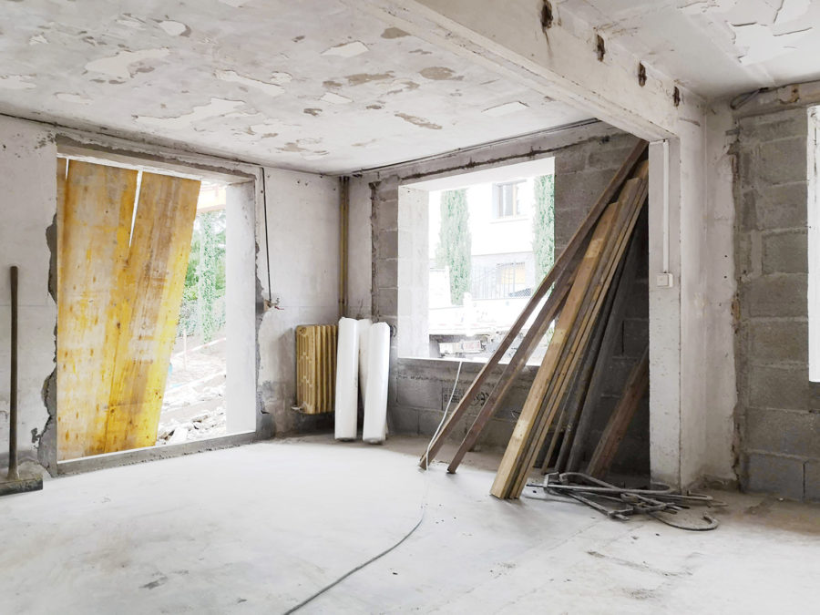 chantier de rénovation et aménagement intérieur d'un garage en partie habitable